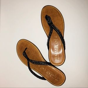 NIB Italian Shoemakers Zahara Sandals